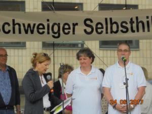Ehrung durch Sozialdezernentin Frau Dr. Andrea Hanke mit Grußworten an Daniela u. carsten Gebhardt